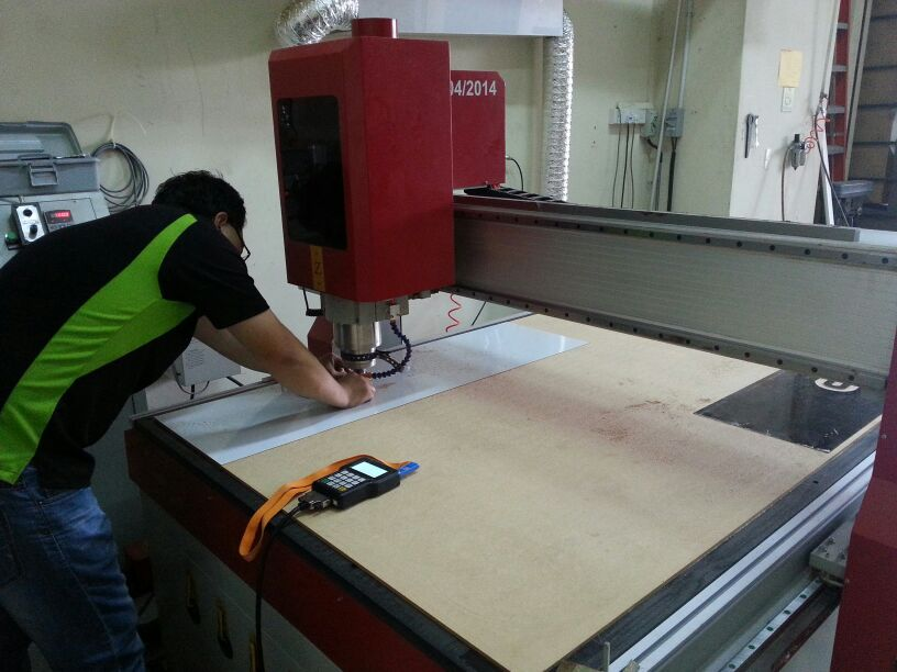 CNC router cutting & engraving